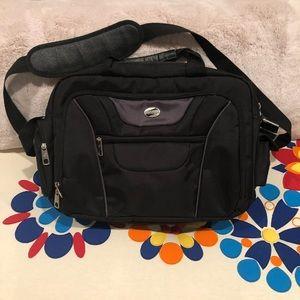 American Tourister laptop computer bag
